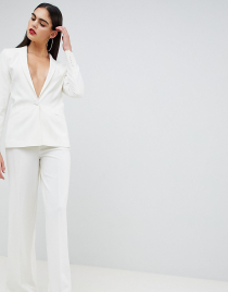 White Looks – cleane und moderne Outfits in weiß bei COUTURISTA